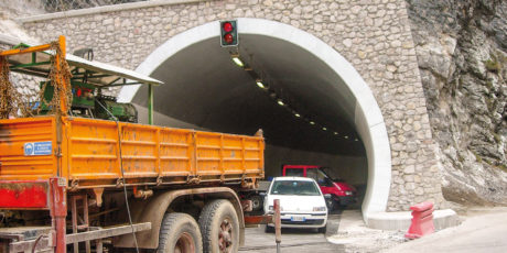 Réalisation du Tunnel Naturel Mala Kapela (Croatie)