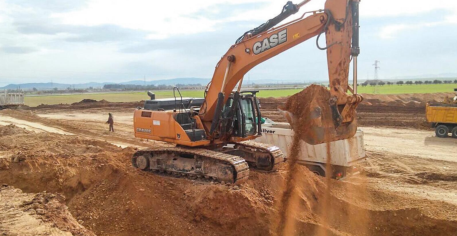 Lavori di scavo e movimento terra. Cantiere Pitesti (Romania)